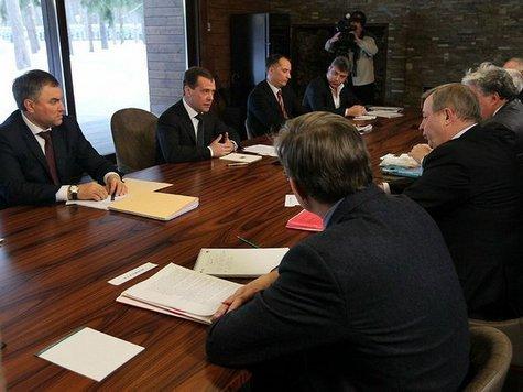 Политологи размышляют, почему встреча президента с непарламентской оппозицией произошла именно сейчас