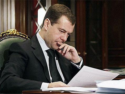 Медведеву придется прирезать свое же детище