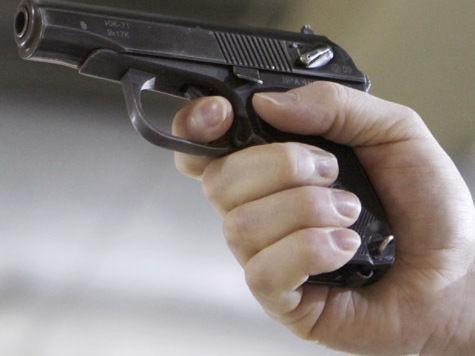 Пьяный полицейский устроил стрельбу в метро по сценарию студентки Лотковой