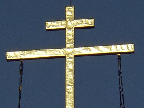 Столичных священников выгнали с кладбища