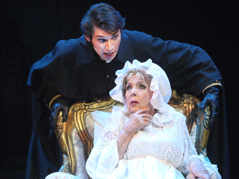 Почему Элина Быстрицкая не играет в премьерном спектакле?