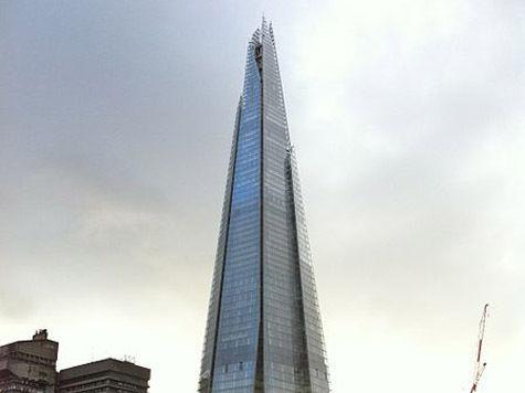 Активистки Greenpeace покоряют самое высокое здание в Лондоне