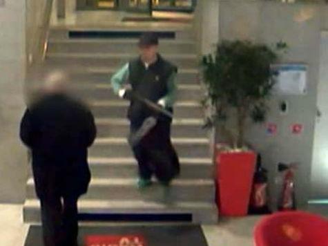 Парижская полиция показала снимки человека, напавшего на офис телеканала и редакцию газеты