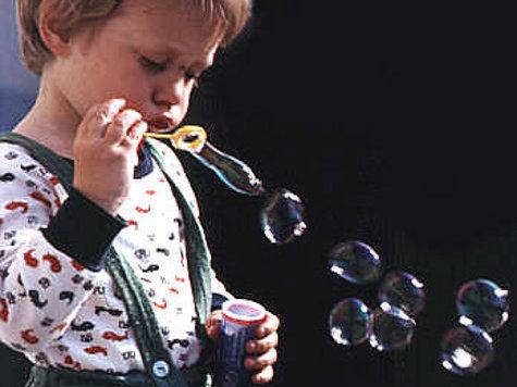Ученые догадались, как растянуть жизнь мыльного пузыря на несколько часов