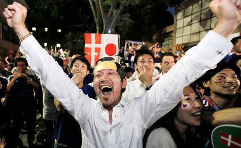 Японцы красиво завершили групповой раунд и вышли в плей-офф