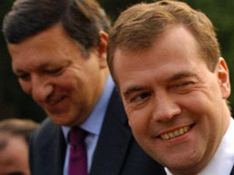 Медведев с Баррозу договорились не говорить о Кипре