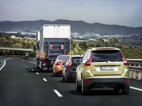 Европейцы решились пустить автопоезд по дорогам общего пользования