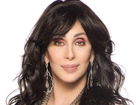 Певица Шер согласилась выступить на «Анжи-Арене» только с двумя бронежилетами
