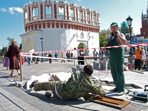 Тротуарная плитка не уложилась в Москве