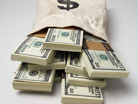 Хотя их средняя сумма выросла за год на 2,5 тысячи рублей