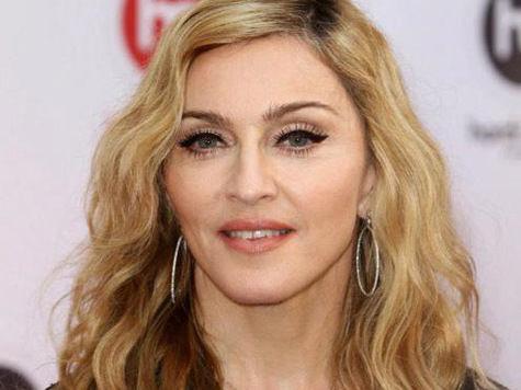 Мадонна и Леди Гага заработали деньги в России на обмане
