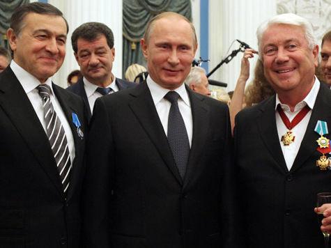 Путин в честь Дня национального единства наградил Чурикову, Збруева, Доронину и посла в Сирии