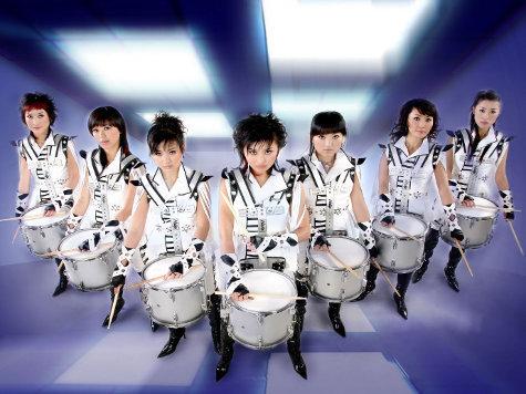 Самое яркое шоу китайских барабанщиц