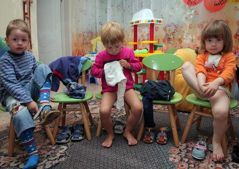 """""""Детские"""" компенсации скинули на местные власти"""