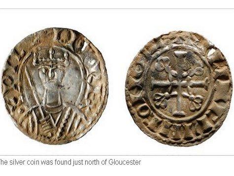 При помощи металлоискателя девушка обнаружила уникальную монету времен Вильгельма Завоевателя