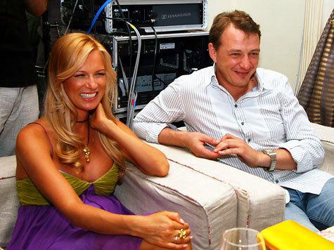 — Высокий, статный, красивый, женатый — это не наш герой, — рассуждали российские актрисы во главе с Жанной Эппле на церемонии Top Beauty Cinema Awards