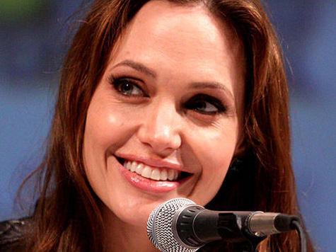 Анджелина Джоли зарабатывает больше мужа?