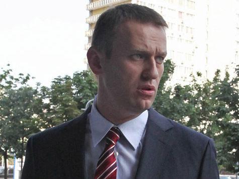 Навального «глушат» на избирательном участке аж два оркестра