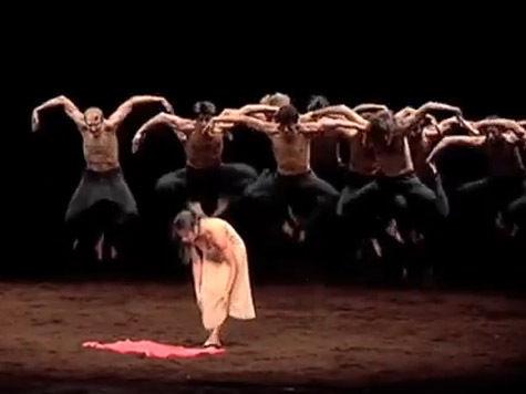 Красная комбинация для балета Стравинского