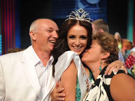 Весна – время любви и красоты! В мае на Красной площади пройдет самый престижный столичный конкурс красавиц «Мисс Москва-2013».