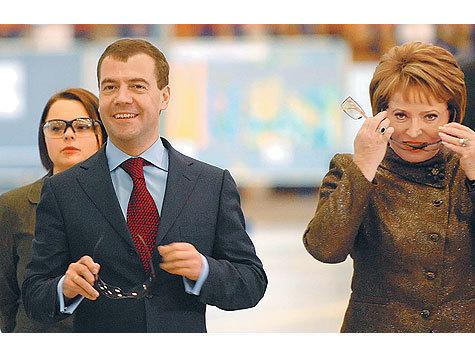 Губернатора Санкт-Петербурга поставили перед сложным выбором