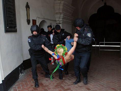 Участницы FEMEN не были похищены – их задержала милиция