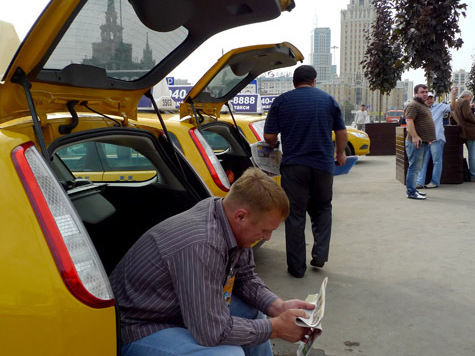 Такси, такси — задорого вези
