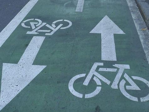 Велосипедисты отберут парковку у автолюбителей