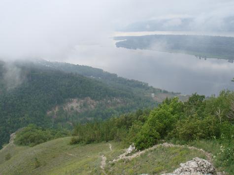 «Издалека долго течет река Волга»