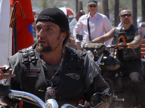 На церемонию награждения лидер мотоклуба оденется как «ночной волк»
