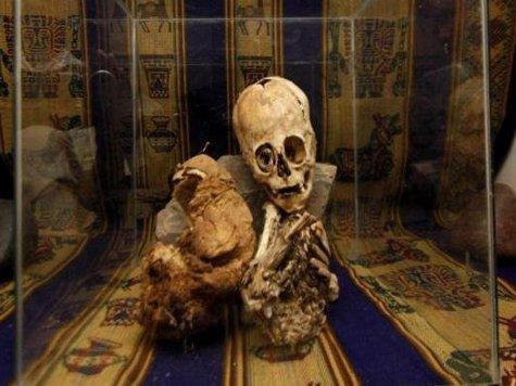 В Перу найдена странная мумия с головой инопланетянина