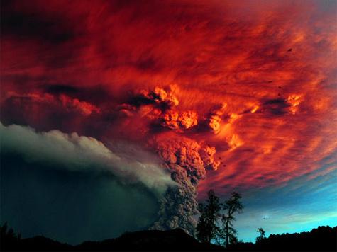 Извержение вулкана Пуйеуэ в Чили. Уникальные ФОТО