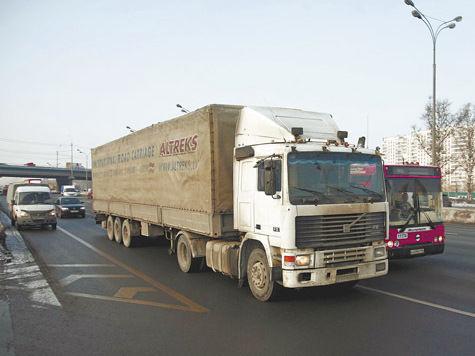«Рулить» грузовиками в Москве будут иностранцы