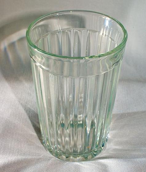Охрана президента сосчитала грани у стаканов