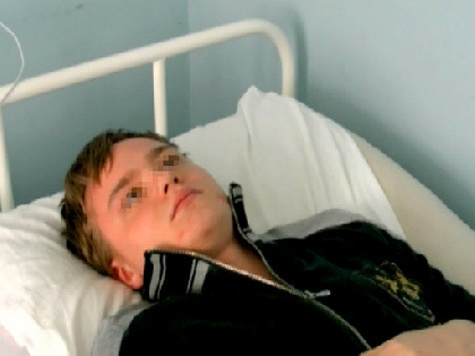 Подросток упал с лестницы назло полицейским?