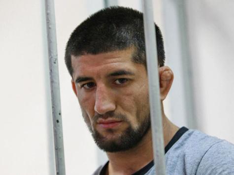 Боксера Мирзаева оставили в тюрьме