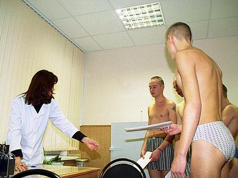 video-golie-studenti-na-medkomissii-strastnie-mamochki-v-ufe