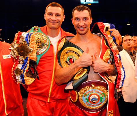 У братьев Кличко теперь все четыре чемпионских пояса