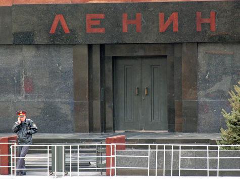 Безработный, избивший сотрудника ФСО на Красной площади, осужден на 2 года