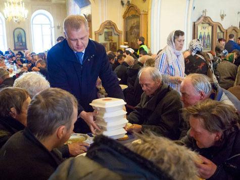 Глава столичного Департамента культуры принял деятельное участие в благотворительном обеде