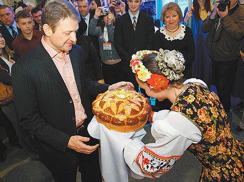 Губернатор Ткачев распустил бандитские группировки настолько, что они зверски, с особой дерзостью, никого не боясь, убили двенадцать человек вместе с маленькими детьми