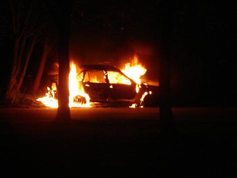 Будущие полиграфисты помешались  на поджогах авто