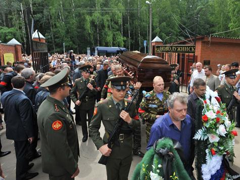 """Буданова похоронили со всеми почестями: он был """"офицером от бога"""", а также """"регулярно исповедовался и причащался"""""""