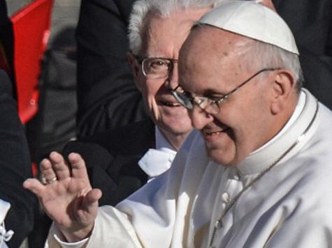 Папа Римский Франциск наносит свой первый визит в Бразилию и продолжает скромничать