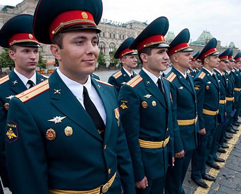 Военные-контрактники не потеряют пенсию вместе со службой