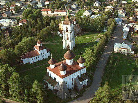 Специалисты проверили состояние памятников культуры в Каргопольском районе.