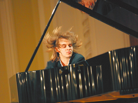 Объявлены участники конкурса пианистов III тура