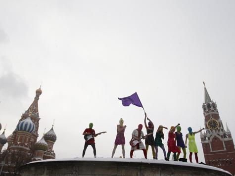 РПЦ МП испугалась конкуренции со стороны Pussy Riot