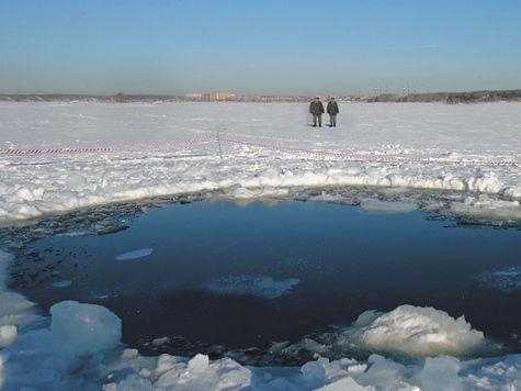 Очевидец падения метеорита в озеро дал интервью «МК»:  «Он упал на лед озера»