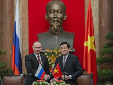 Путин привез во Вьетнам «комбинезон» для мавзолея